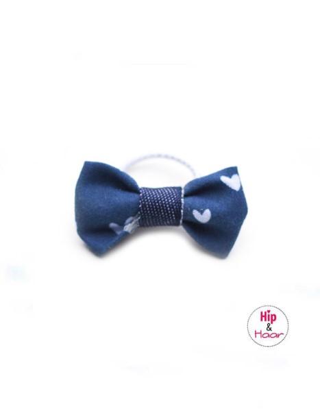 Baby elastiekje blauw met hartjes