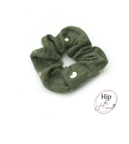 Scrunchie-cotton-army-groen-met-gouden-dots
